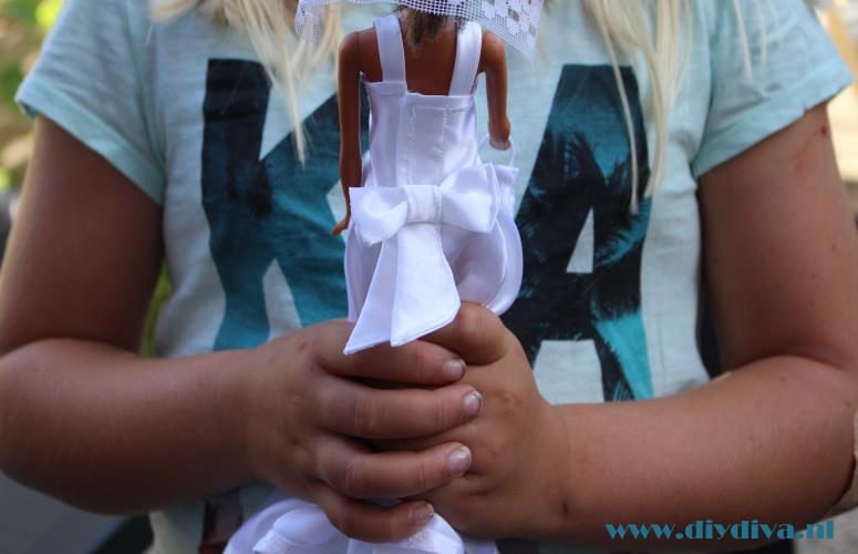 barbie zelfgemaakte trouwjurk diydiva